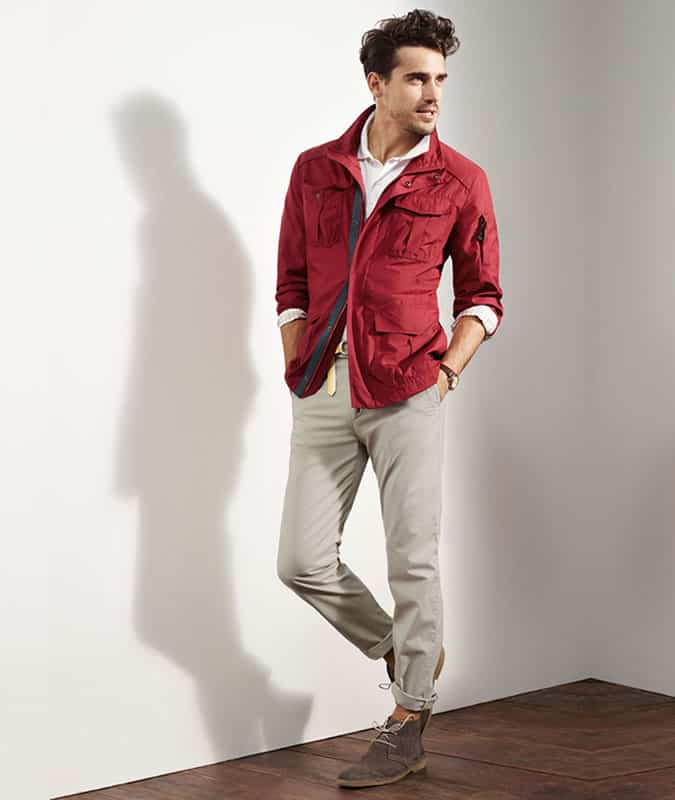 Men's Rolled/Turned-Up Chinos With Desert Boots Outfit Inspiration