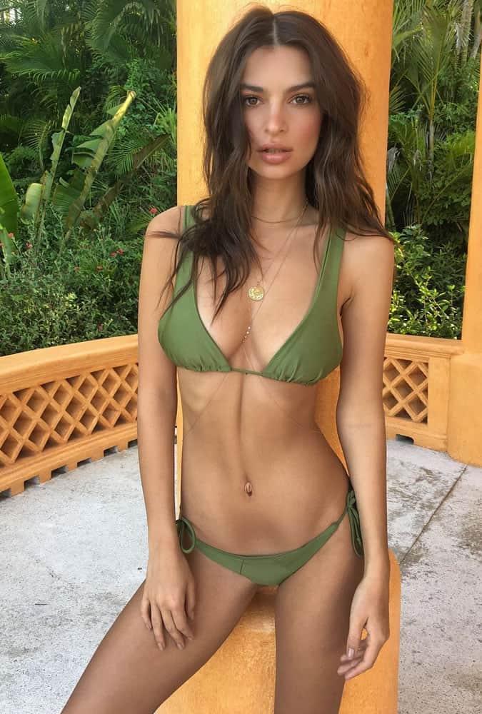 Emily Ratajkowski's Hottest Looks