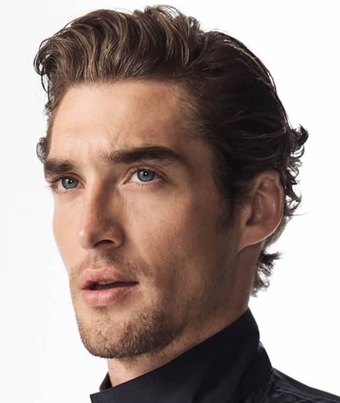 b1deb24cec0 The Best Men s Wavy Hairstyles For 2019
