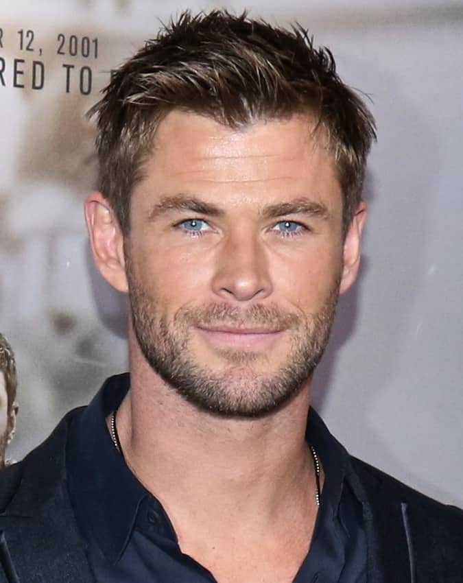 How To Get Chris Hemsworth S Greatest Hairstyles Fashionbeans